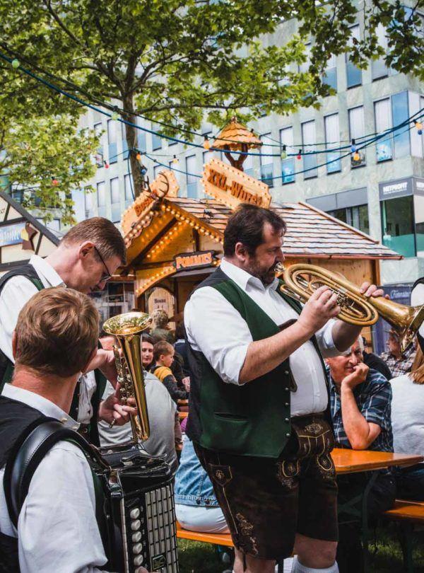 Volksmusik auf Volksfest